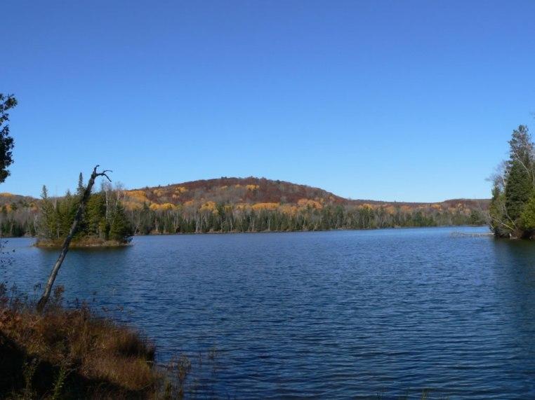 Private lakefront lots in the Artesia Peaks Estates
